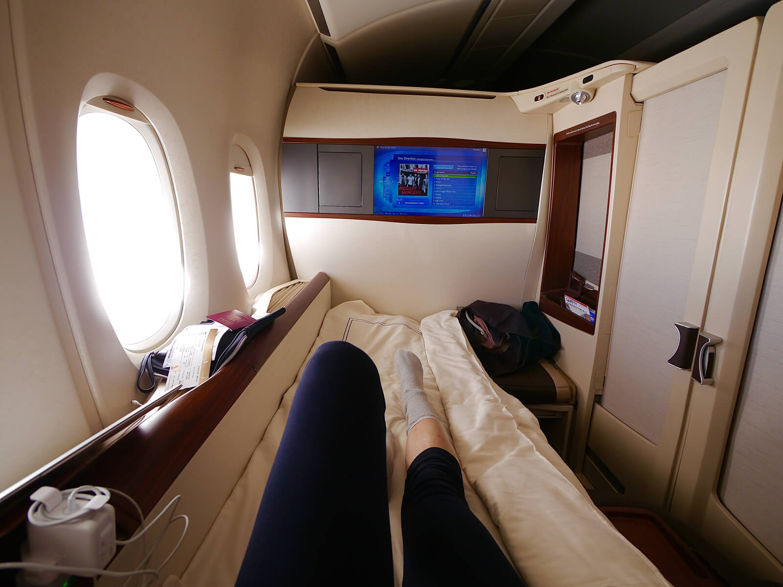 That day I used all of my miles to upgrade my 23h trip to New York to Singapore Airlines Suites. Wondering what it was like? Read here